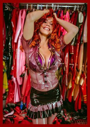 ILOVEBIANCA – Bianca Beauchamp - Latex closet red-headed beauty | JPEG 2336x3500
