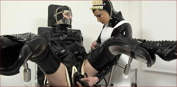 FetishClinic - Anna Rose, Elise Graves - Pussy research in latex clinic [HD 720p]