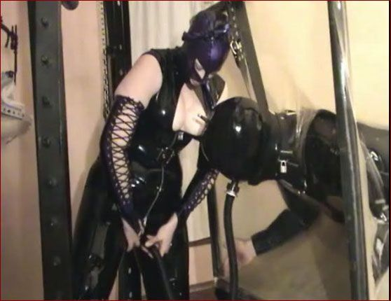 Castle Diabolica - Amanda Wildefyre - Man orgasm in rubber cube [MP4 480p]