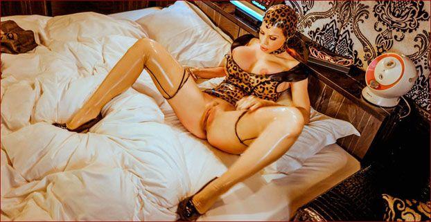 ILOVEBIANCA - Bianca Beauchamp - Bright sexy fetish dress on Bianca [JPEG 2002x3000]