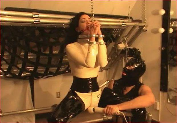 vibrator orgasm rubber lesbians