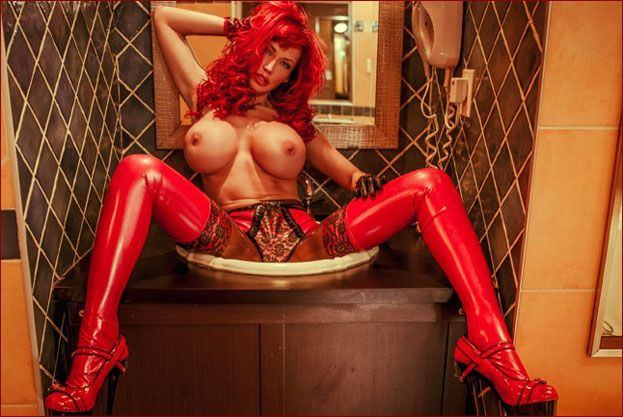 ILOVEBIANCA – Bianca Beauchamp – Heavy latex corset on redheaded prankster PT2 [JPEG 2002×3000]