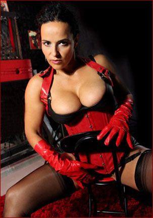 Sexy women on fetish pics PT3 [JPEG 1728×2592]