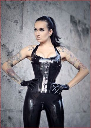 pics hot girls in latex