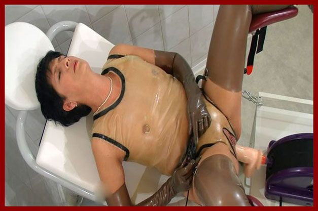 Spekula - Sex with machine and peeing in rubber | WMV 1080p