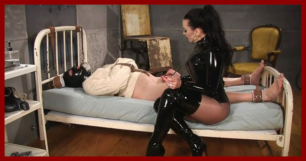 See how rubber and latex domination amo colombianita