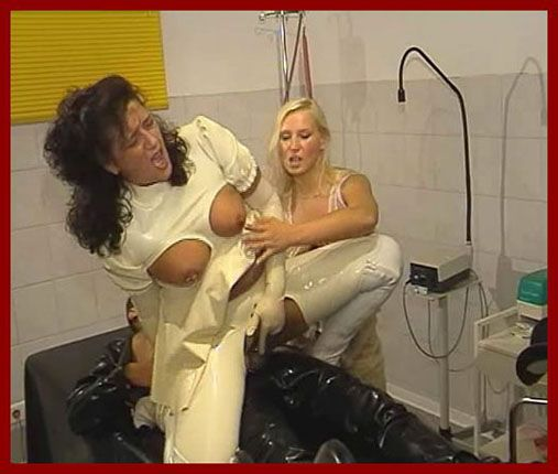 Spekula - Rubber sex with two women   WMV 576p