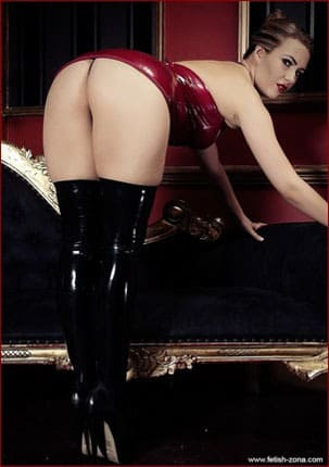 Sophia Knight's - Gorgeous female ass in latex dress [JPEG 1024x680 / Latexotica]
