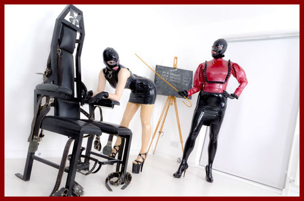 obedient slave in latex
