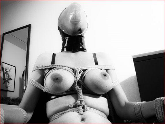 KinkyStyle - Nikki Flames - Asphyxiation in bondage | 1800X1350