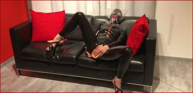 Bupshi - Breathplay in plastic bag and pussy masturbation [MP4 480p]