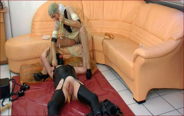 Spekula - Sexual perversions with rubber slave [FULL HD 1080p]