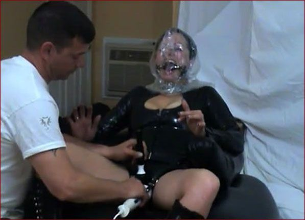 Amateur - Breathplay orgasm from an experienced husband [MP4 432p]