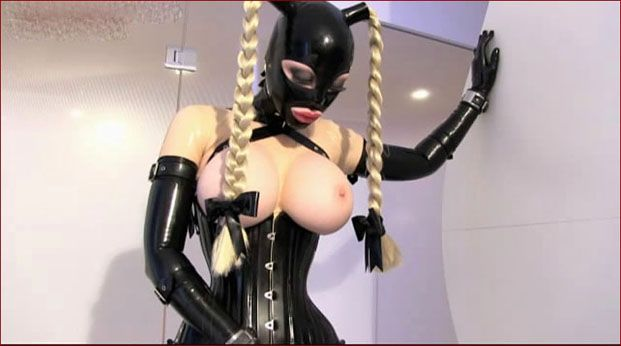 Latex Lucy - World of fetish and latex [MP4 480p]