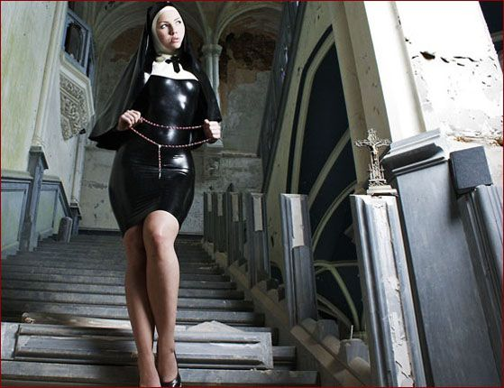 Ancilla Tilia - Sexy latex nun on fetish pics [JPEG 1200x800]
