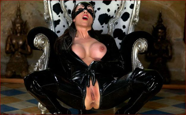 Miss Hybrid – Hot milf pics in latex cat mask [JPEG 1600×1066]