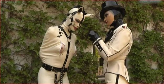 Fetish Live – Mistress Sandra, Anna Rose – Fetish training my white pony [MP4 406p]
