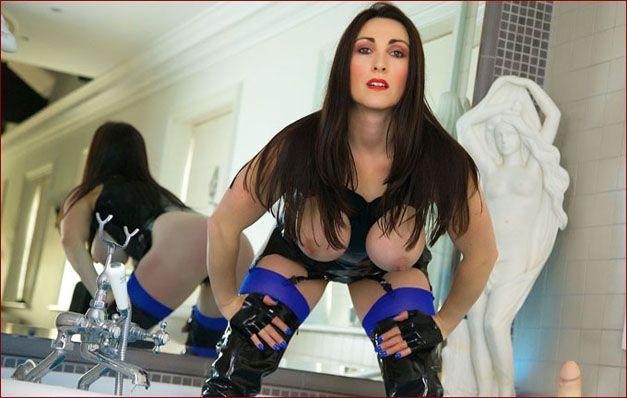 Miss Hybrid - Sexy milf on porn pics [JPEG 1600x1067]