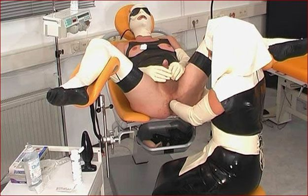 Spekula - Fisting and orgasm rubber guy in clinic [MP4 576p]