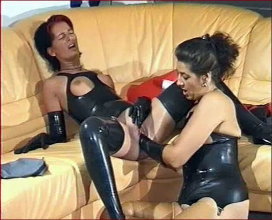 Spekula – Horny sex games in rubber PT2 [ WMV 576p]