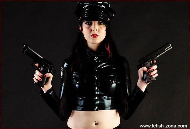 KinkyStyle - GothicFullOfTears - Latex cop [JPEG 1200x900]