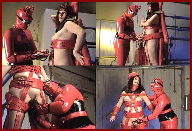 Castle Diabolica - Mistress Amanda Wildefyre, Ms.Alice - Porn fun on the cross [HD 720p]
