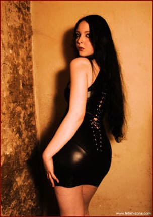GothicFullOfTears - Sexy young brunette in short latex dress [JPEG 1200x900]