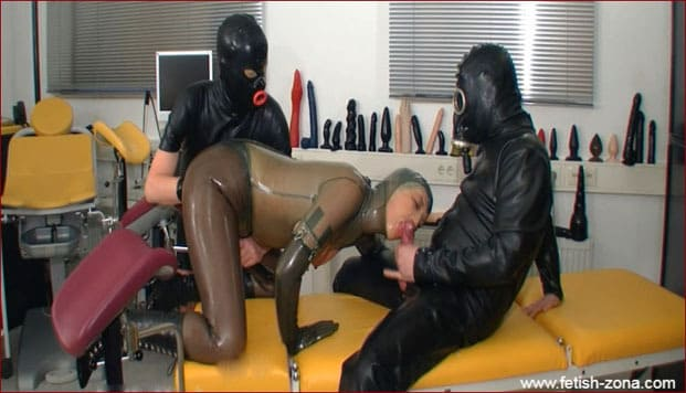 Spekula - Ass fisting videos in rubber clinic [FULL HD 1080p]