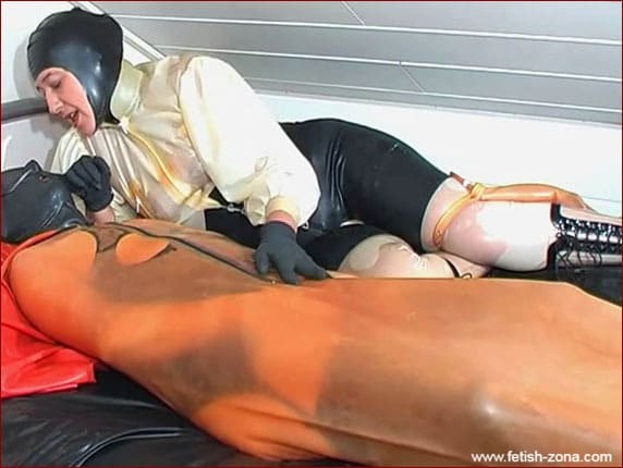 Perverted fetish in rubber bag under guidance of woman PT2 [MP4 576p]