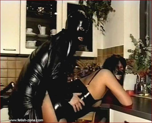 Spouse fuck on the kitchen [MP4 576p]