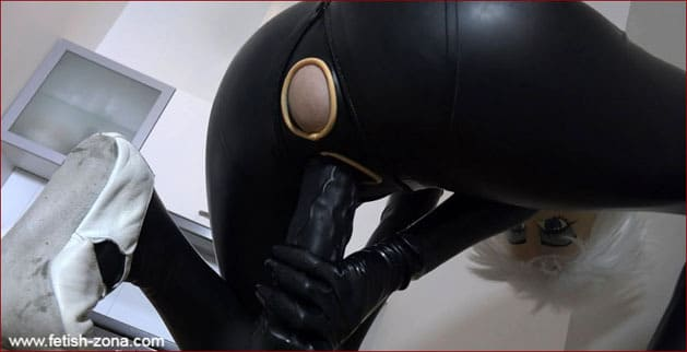 Maiden doll fucks his pussy big dildo [FULL HD 1080p / Dollrotic.com]
