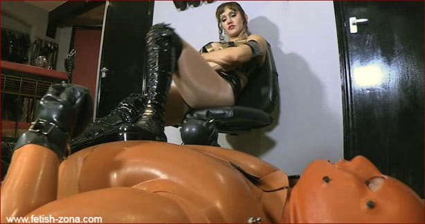 Humiliation hard in porn games from Mistress Miranda [HD 720p / Serious Images]