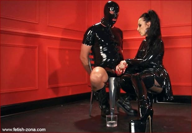 Femdom Mistress Nikita in black latex [FULL HD 1080p / Obeynikita]