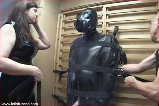 Amanda Wildefyre - Fetish orgasm in rubber bag [HD 720p]