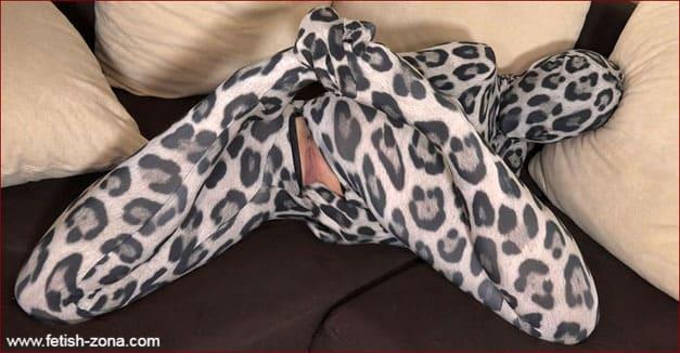 Rebecca Black - Sexy teen girl masturbating in Zentai catsuit [FULL HD 1080p / Czech Republic / Zentaidolls]