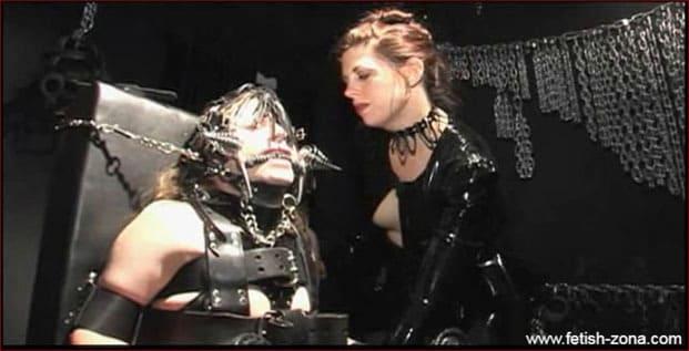 Amanda Wildefyre - Pony Slave in Leather Bondage [MP4 480p]