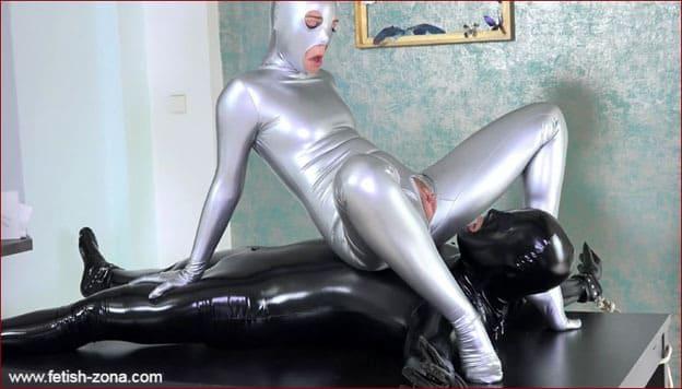 Vinna Reed - Zentai slave [4K 3840x2160]