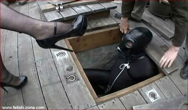 Mistress Suzan - Mistress smoking and torturing slave in gas mask [MP4 480p]