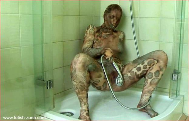 Daniela - Zentai women relieves sexual arousal in shower [HD 720p]