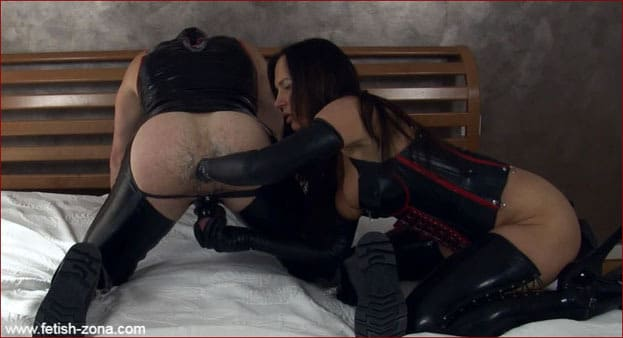Fist fisting from wicked milf in black rubber [FULL HD 1080p]