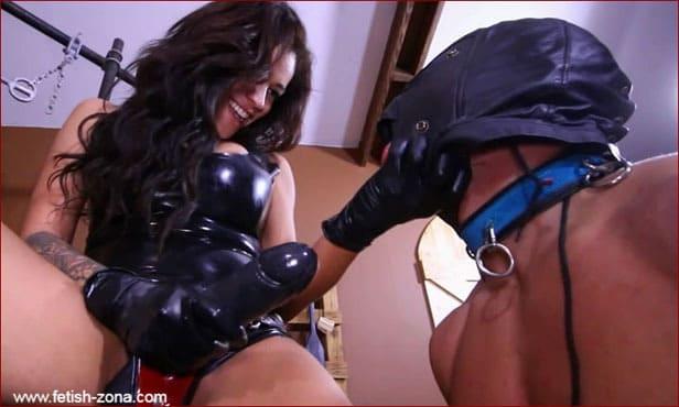 Paris Knight, Jamie Valentine - Latex Couple Strapon Fuck Ass Man [HD 720p]