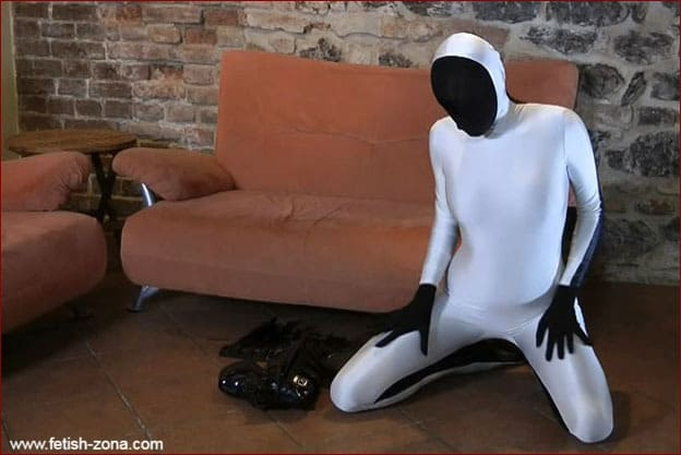 Black and white spandex costume on sexy Zentai doll [FULL HD 1080p]
