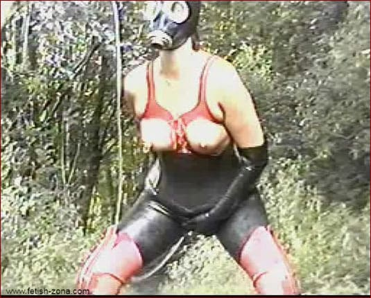 Dirty adult games with rubber outdoor enema [WMV 576p]