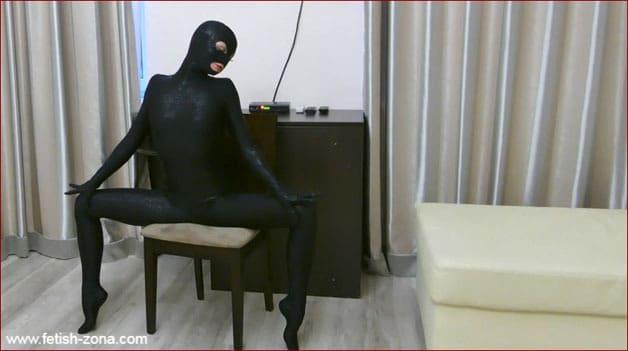 Tatjana - Female zentai fetish in black [4K 3840x2160]
