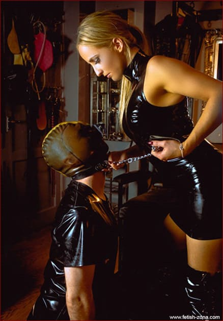 Super fetish pictures with Mistress Courtney - JPEG 1597x2400