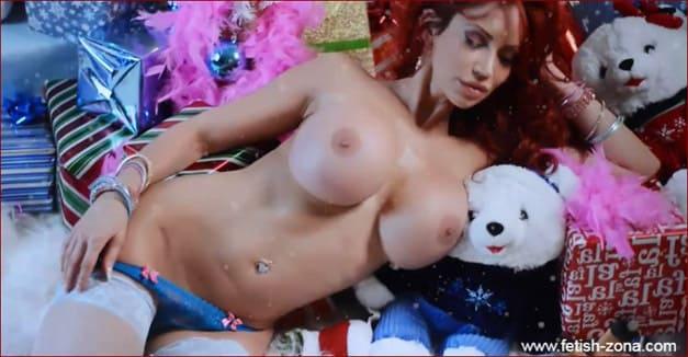 Bianca Beauchamp - Babe big tit participates in New Year fetish photo shoot - HD 720p