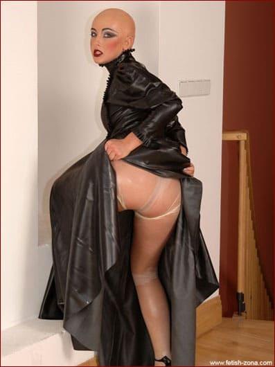 Lucie Praha - Hot bald girl in sheer latex tights - JPEG 1488x2240