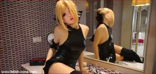Live Latex Doll For Fun With Men - MP4