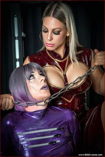 Aurora Nia Noxx - Dominatrix of the role-playing games on fetish pics - JPEG 1500x2249